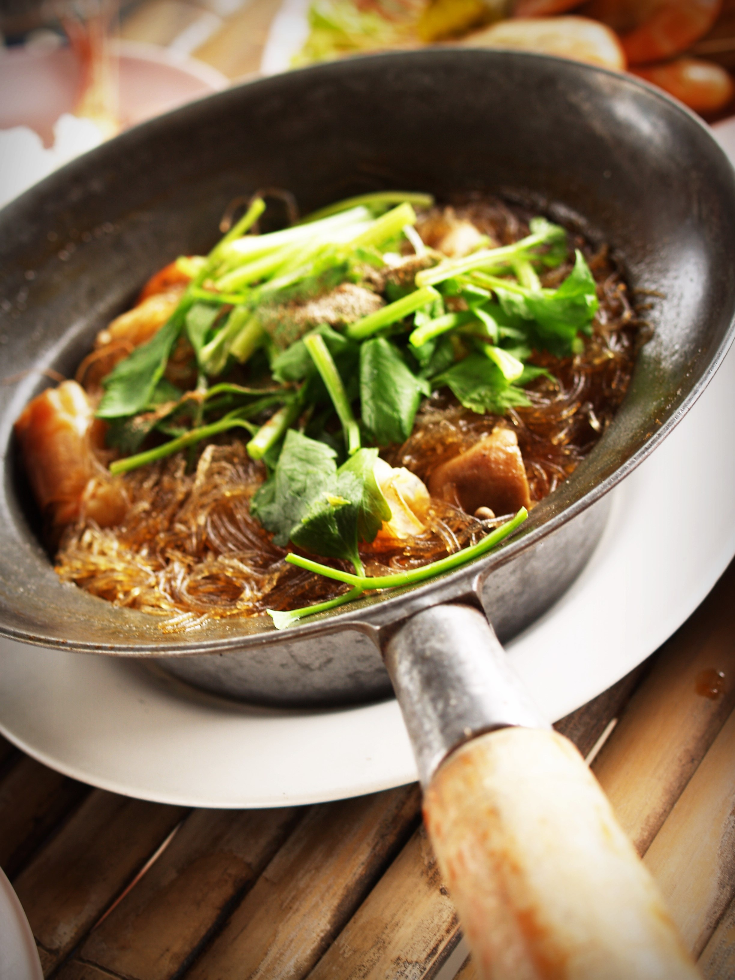 Gerichte aus Thailand mit dem Wok gekocht