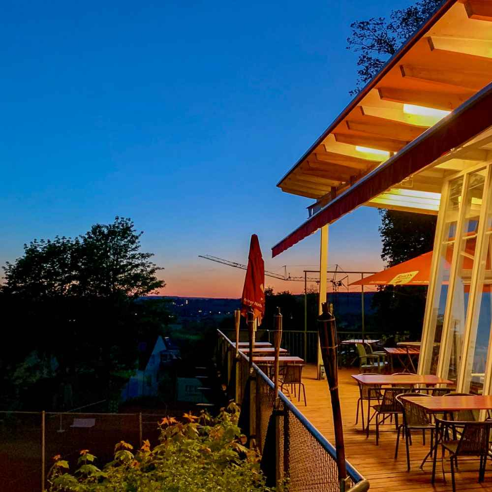 Die Thai-Terrasse in der Abendstimmung