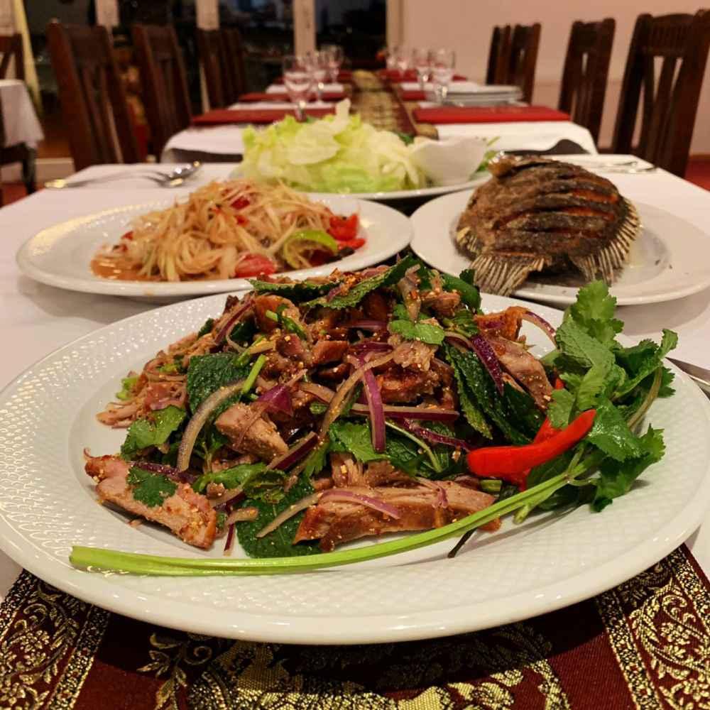 Nam Tok, Som-Tam und Red Tilapia (Fisch)